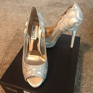 Brand new Badgley Mischka wedding heels Sz 7
